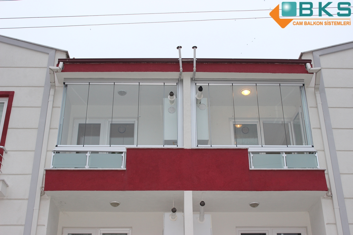 Glass balcony folding glass balcony cambalkon glass for Closed balcony